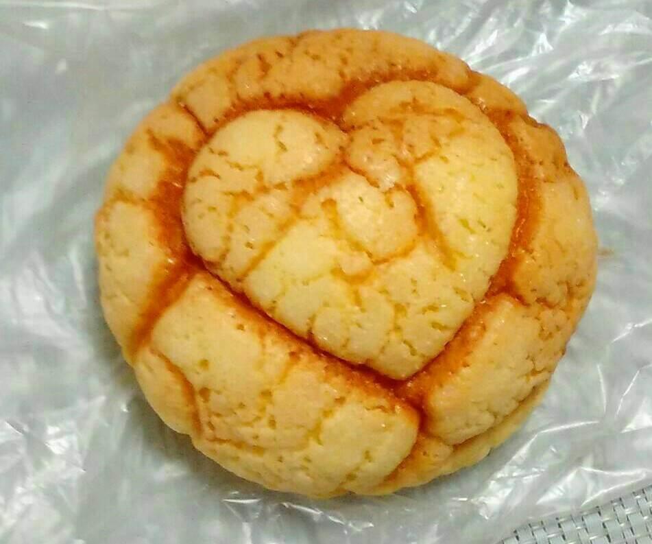 ハートのメロンパン