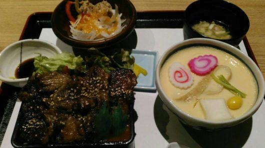 ジューシー牛カルビ丼定食